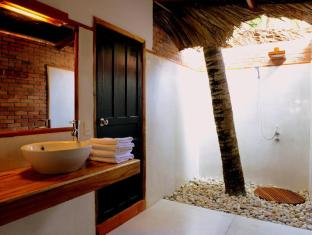 Ananda Resort Phan Thiet - Open Roof Garden Style Bathroom