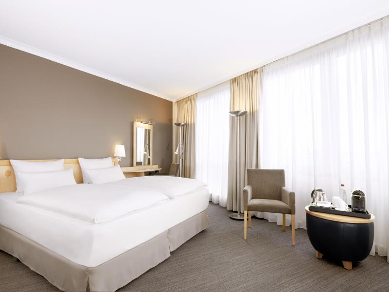 NH Berlin Alexanderplatz - Hotell och Boende i Tyskland i Europa