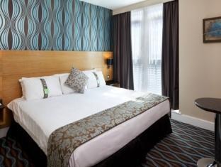 Holiday Inn Birmingham City Centre Birmingham - Queen Bed Guest Room