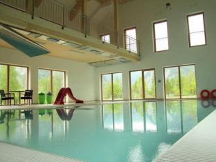 Holiday Home Hallstettersee Obertraun - Swimming Pool
