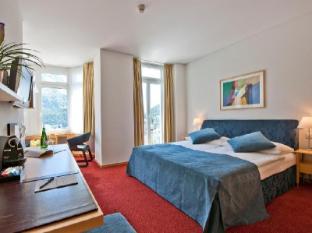 Schweizerhof Swiss Quality Hotel Saint Moritz - Pokój gościnny