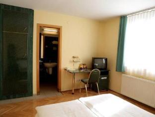 Hotel Bara Budapest - Guest Room