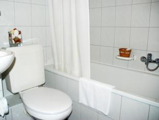 Best Western Hotel Orion Budapest - Bathroom