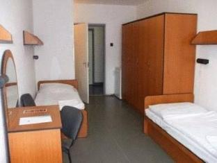 Hotel Touring Budapest - Guest Room