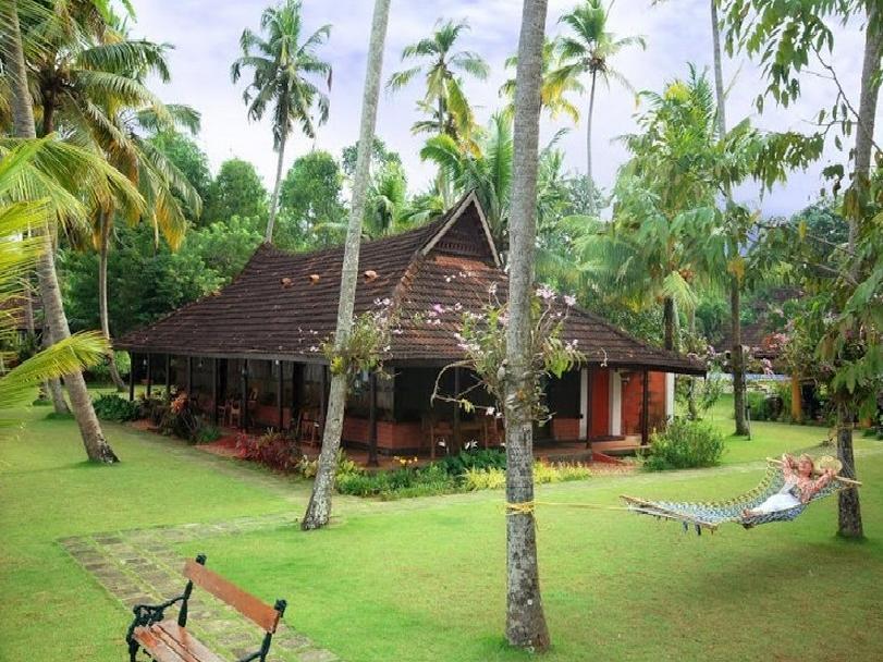 Kayaloram Heritage Lake Resort - Hotell och Boende i Indien i Alleppey