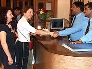 Hotel Pradeep Varanasi - Reception