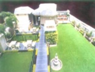 Hotel Pradeep Varanasi - Eden- Rooftop Restaurant