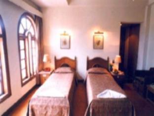 Hotel Pradeep Varanasi - Deluxe Room