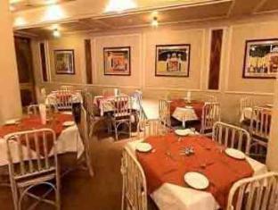 Hotel Pradeep Varanasi - Restaurant