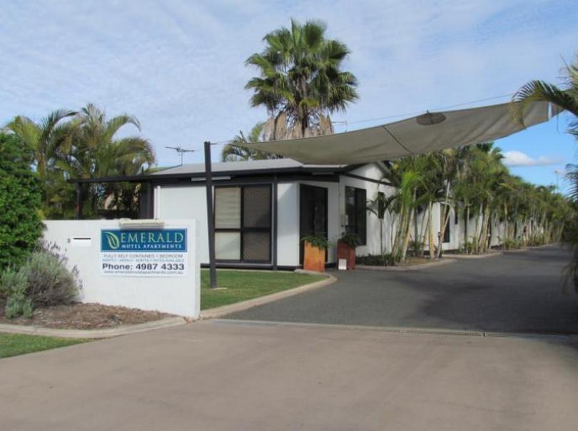 Emerald Apartments Motel - Hotell och Boende i Australien , Emerald