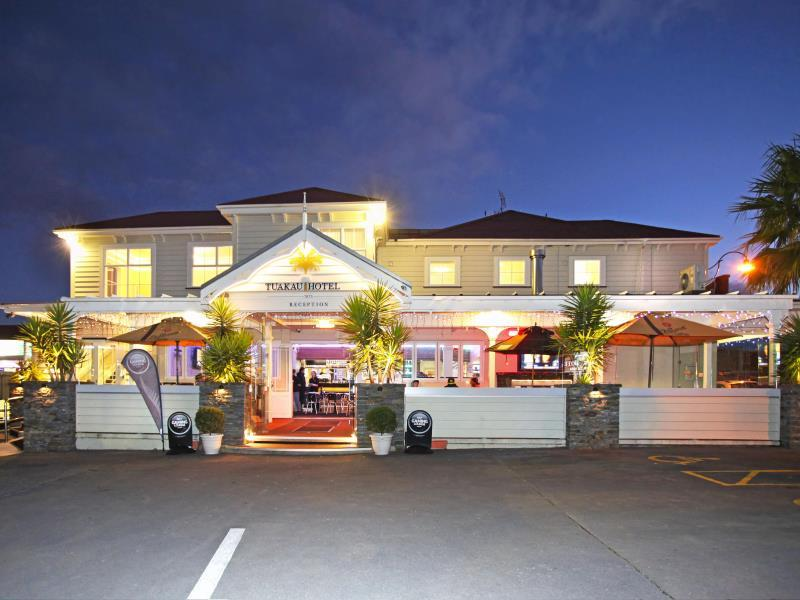Tuakau Hotel - Hotels and Accommodation in New Zealand, Pacific Ocean And Australia
