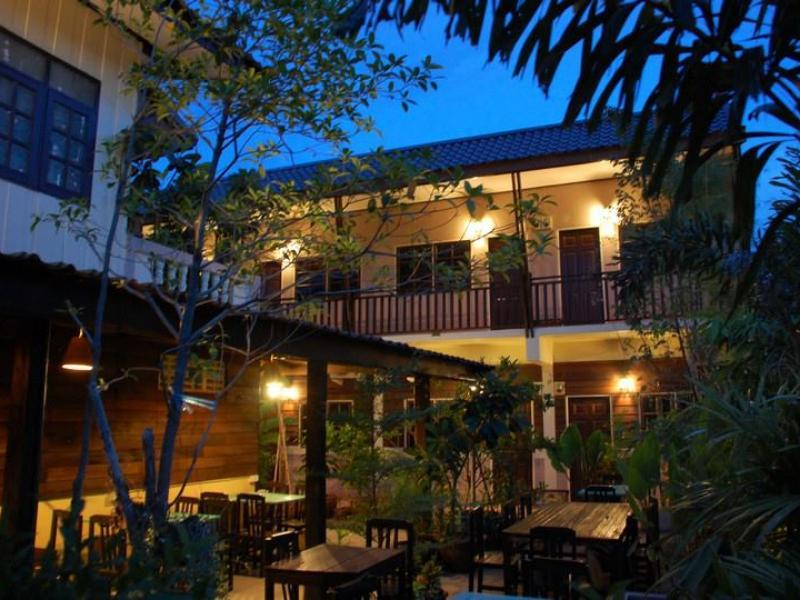 The Outside Inn - Hotels and Accommodation in Thailand, Asia