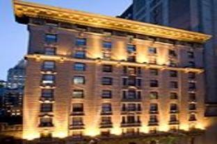 サーティ サーティ ホテルの外観