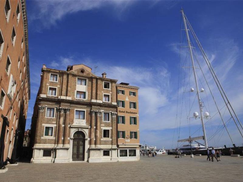Hotel bucintoro castello venice italy great for Great small hotels italy