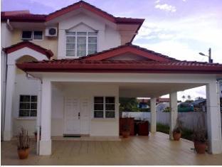 Kuching Guesthouse - 1star located at Kuching
