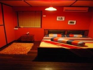 Threehouse Bed and Breakfast Kuching - Camera