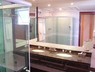 Royalty Barra Hotel Rio De Janeiro - Bathroom