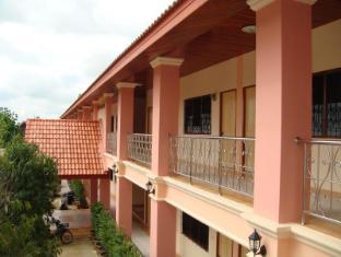 Suphatta Apartment
