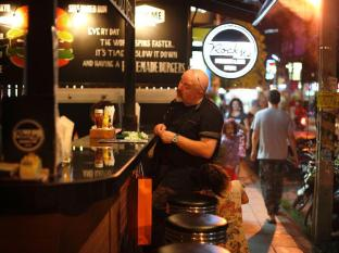 Raming Lodge Hotel Chiang Mai - Rock Me Burger & Bar