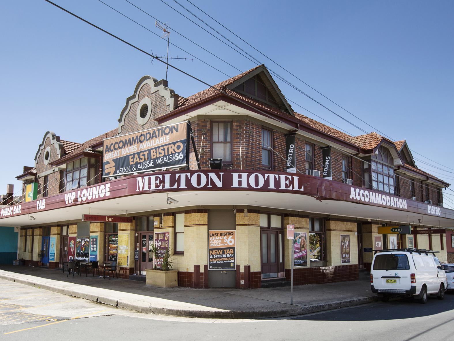 Melton Hotel