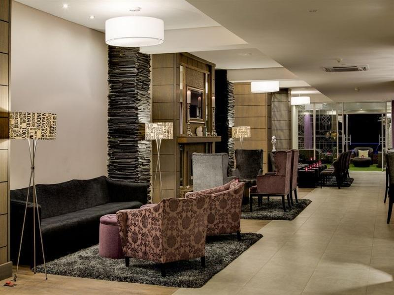 Protea Hotel Manor - Hotels and Accommodation in South Africa, Africa