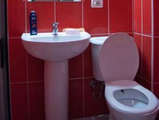 Hotel 2 Palma Tirana - Bathroom