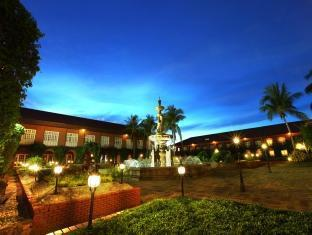 Fort Ilocandia Resort Hotel Laoag - परिवेश