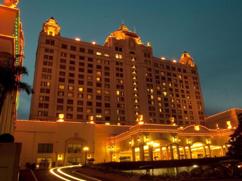 Waterfront Cebu City Hotel and Casino سيبو