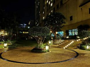Waterfront Cebu City Hotel and Casino Cebu City - Tuin