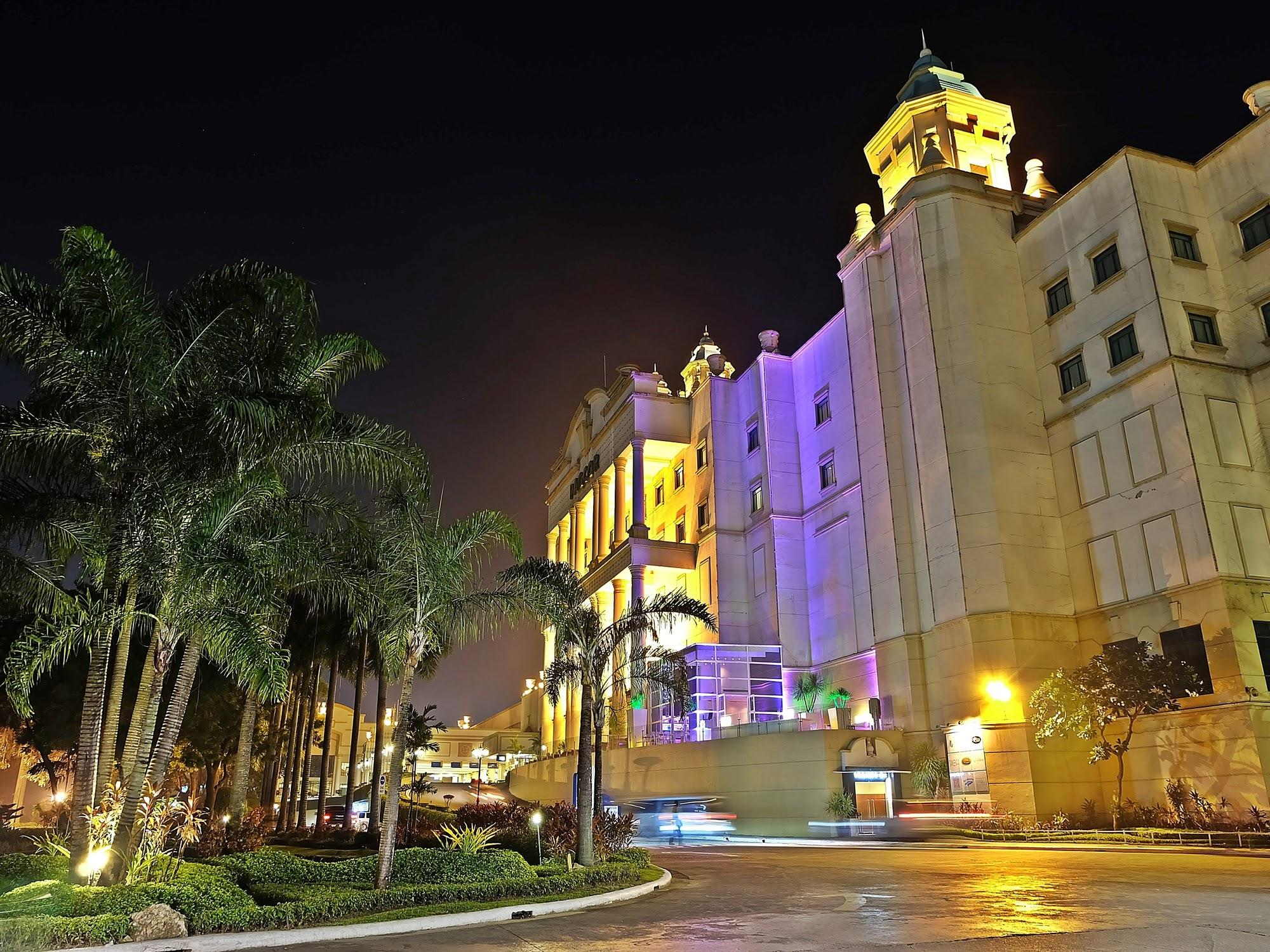 Waterfront Cebu City Hotel and Casino Cebu - Hotellet udefra