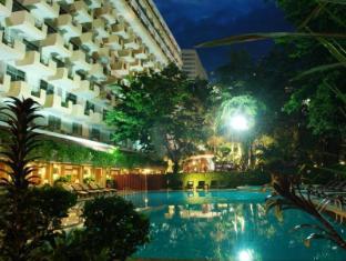 Golden Beach Hotel Pattaya - Swimming Pool
