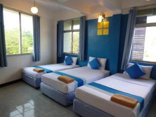 Sawasdee Khaosan Inn Hotel Bangkok - Triple Bed Room