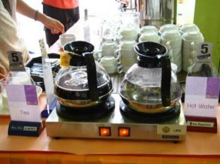 Sawasdee Khaosan Inn Hotel Bangkok - Food and Beverages