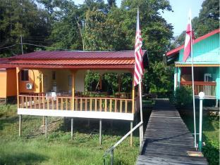 Borneo Kinabatangan Sanctuary - 2 star located at Sandakan