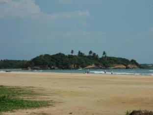 Sagarika Beach Hotel Bentota/Beruwala - Beach in the surrounding