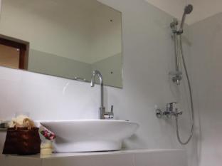 Sagarika Beach Hotel Bentota/Beruwala - Classy Bathroom