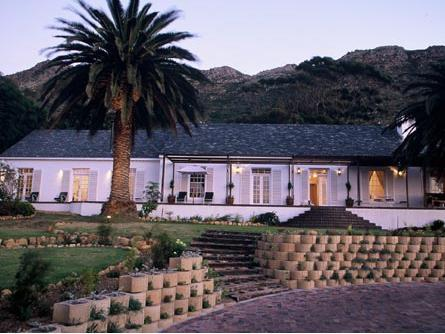 Manor On The Bay Guest House and Conference Centre
