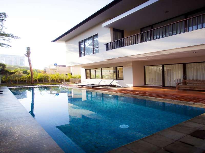 Permai Pool Villa Dago Pakar - Bandung