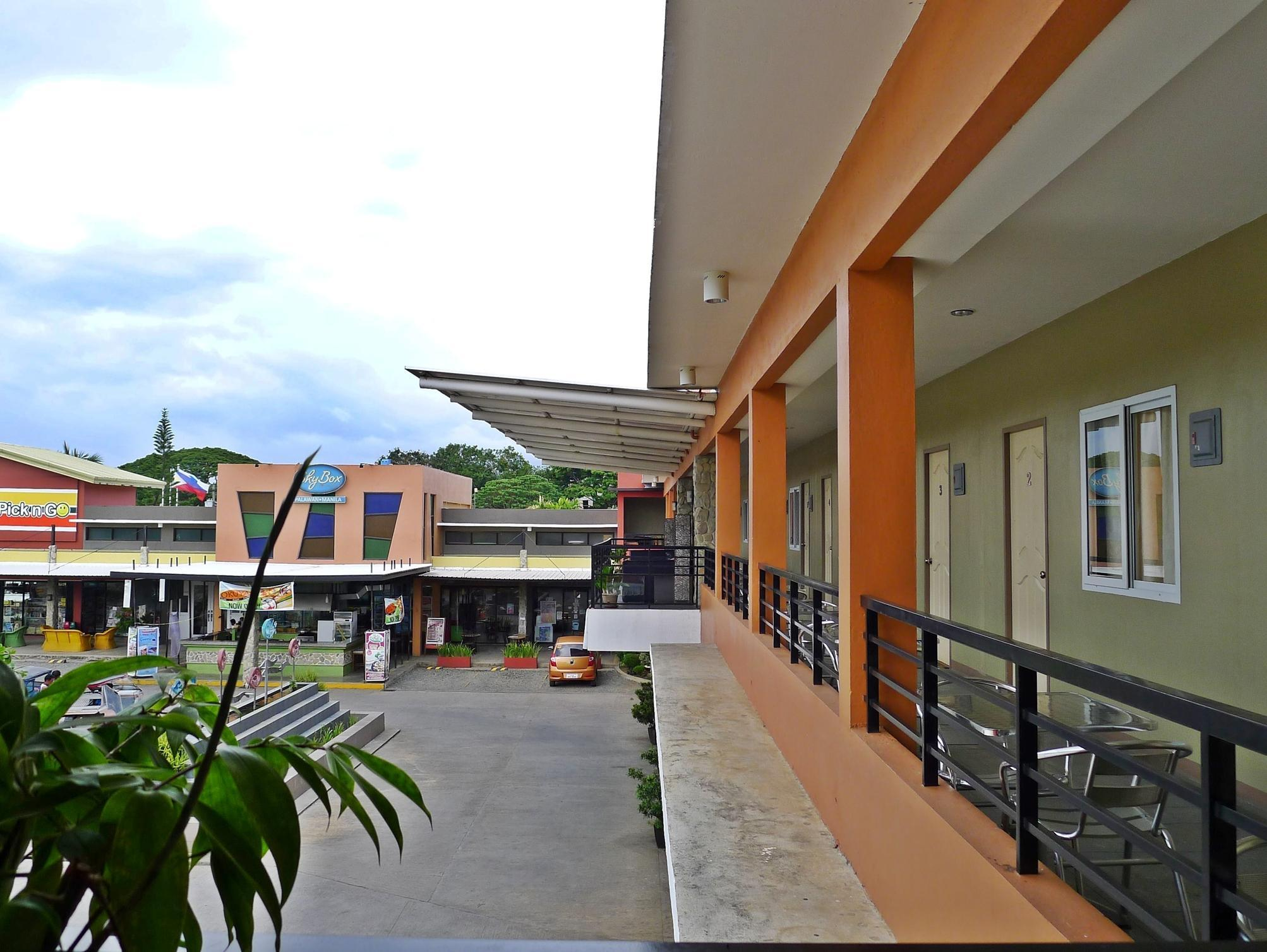 The Centris Inn - Hotels and Accommodation in Philippines, Asia