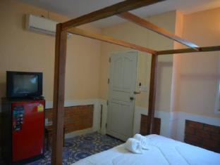 8 praw view hotel