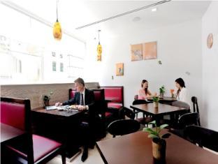 Hotel Clover 5 Hongkong Street Singapore - Cafe for breakfast