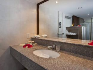 Bellapais Gardens Hotel Kyrenia - Bathroom