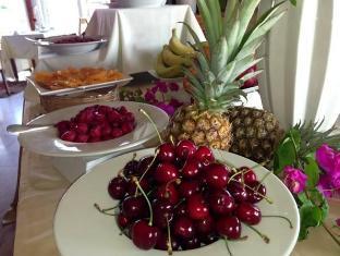 Bellapais Gardens Hotel Kyrenia - Buffet