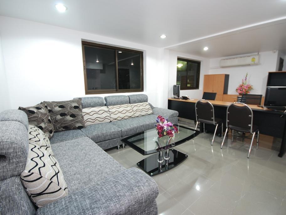 Hotell Patong Budget Rooms i Patong, Phuket. Klicka för att läsa mer och skicka bokningsförfrågan