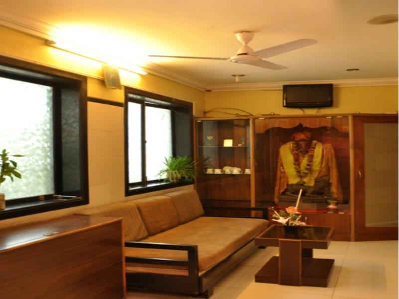 Hotel Hira Palace