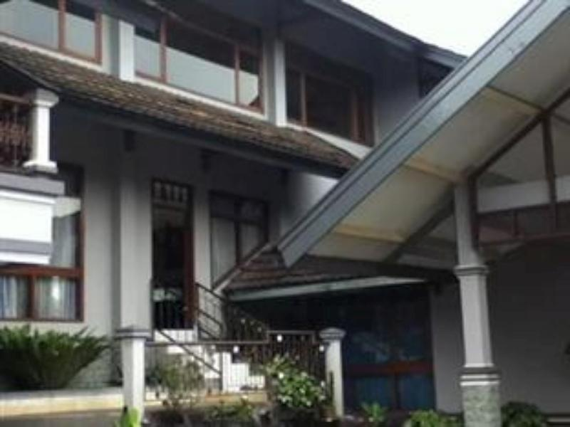 Villa Octavia Lembang - Hotels and Accommodation in Indonesia, Asia