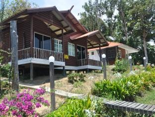 Semi-D at Jatidiri Farmstay - Hotels and Accommodation in Malaysia, Asia