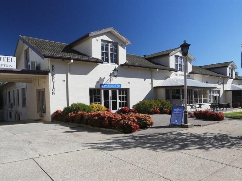 Sovereign Inn Cowra - Hotell och Boende i Australien , Cowra