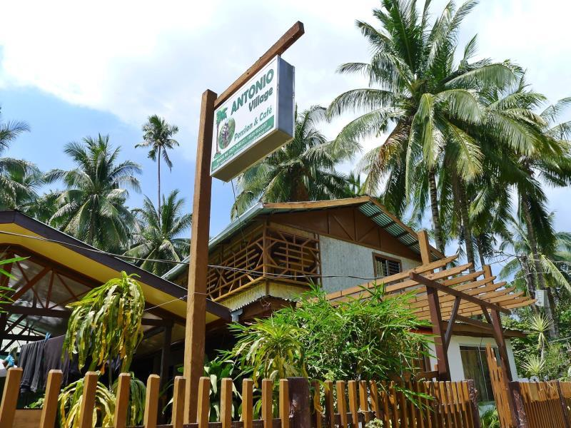 Antonio Village Pension and Cafe - Hotels and Accommodation in Philippines, Asia