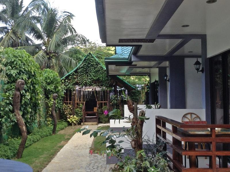 Bulul Garden Hotel - Hotels and Accommodation in Philippines, Asia